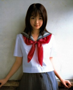 http://alicetocracy.files.wordpress.com/2010/06/a-girl-wears-seifuku.jpg?w=241&h=300